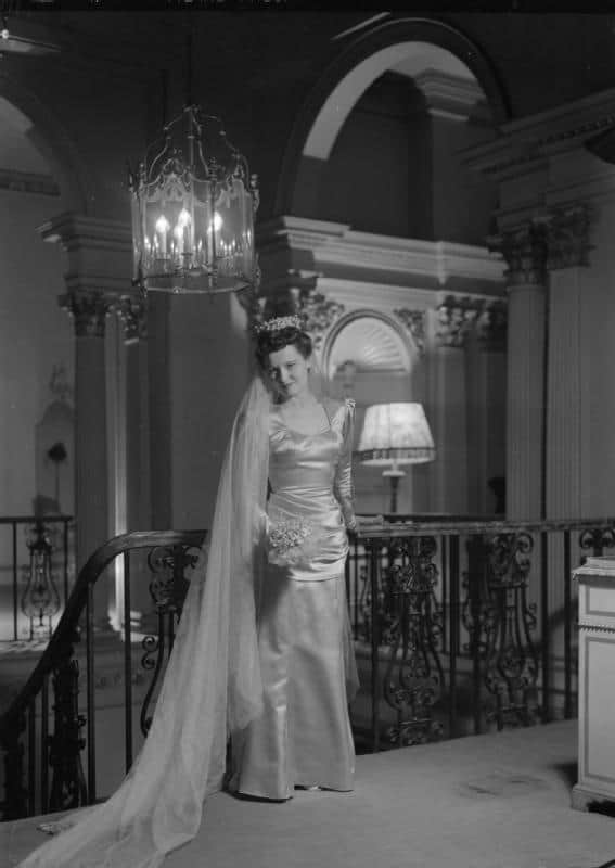 Actress Peggy Bryan from film, Dead of Night, in dress by fashion designer Bianca Mosca. Ballgowns to Bumsters Tour, Fashion Tours London, fashion walks and shopping tours for fashionistas