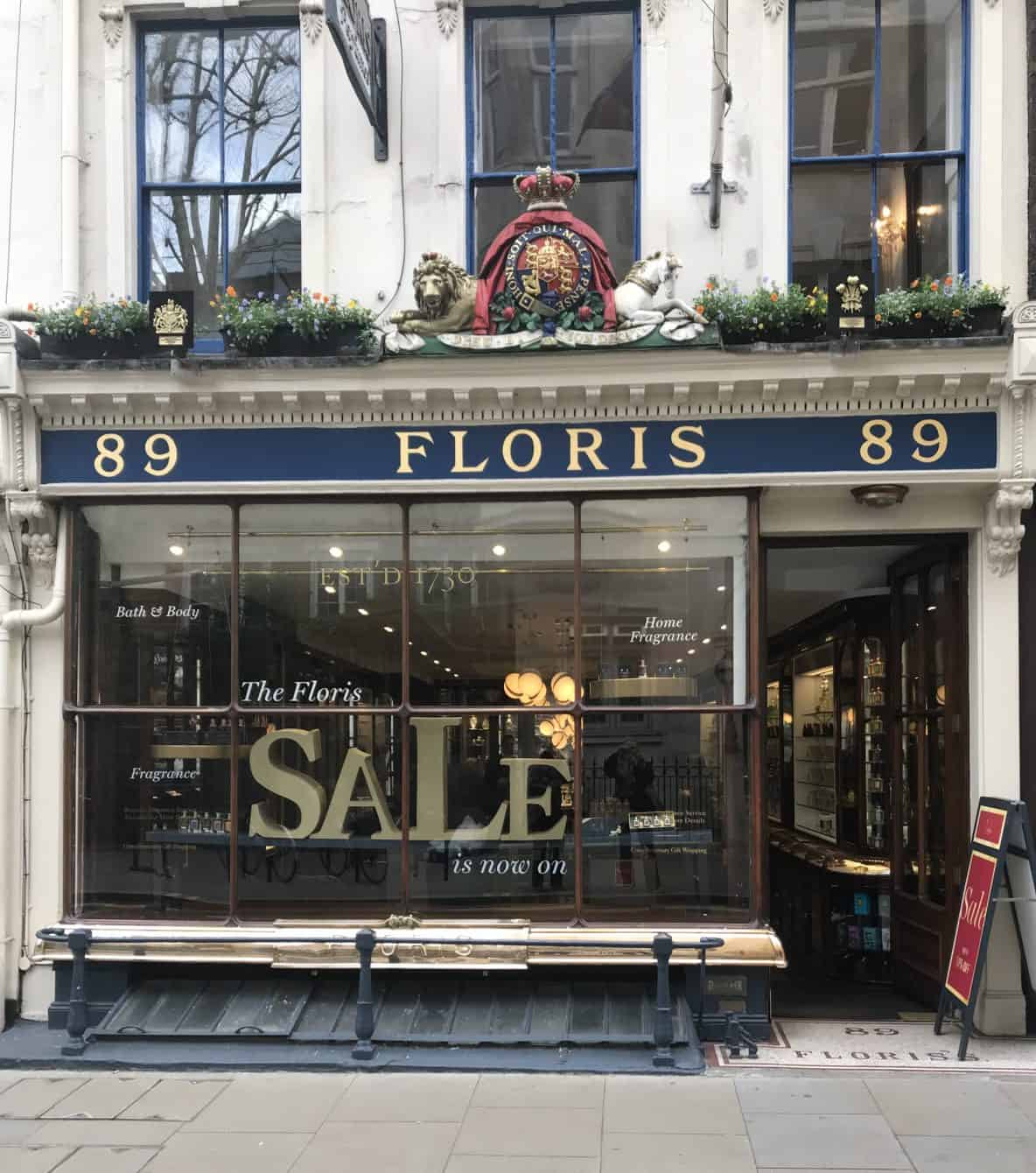 Floris perfume shop, Jermyn Street. St. James's, Unique Boutiques Tour, Fashion Tours London, fashion walks and shopping tours for fashionistas