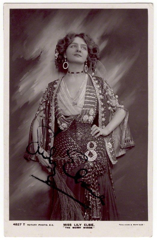 Actress Lily Elsie, dressed by Lucy Duff Gordon, or Lucile. Ballgowns to Bumsters Tour, Fashion Tours London.